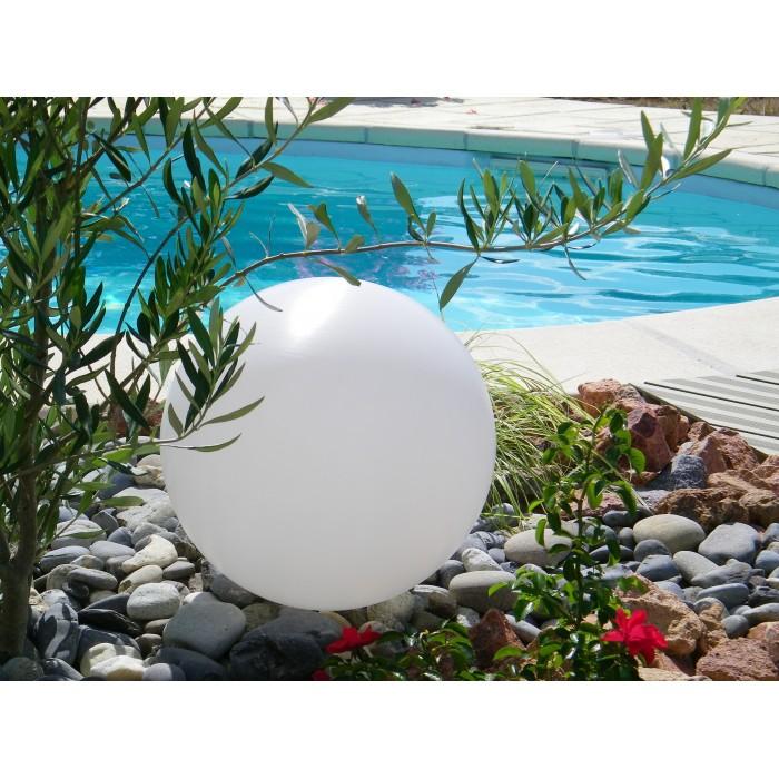 Boule lumineuse de jardin de décoration - Les Jardins d\'Aristée